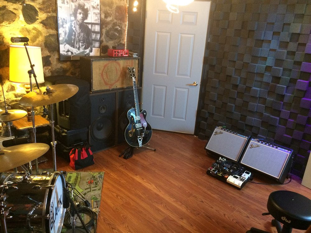 Tracking and Rehearsal Room