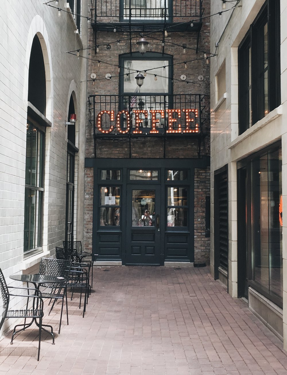 Pickwick Coffee Roasting Co. | Downtown | 22 E Jackson Blvd, Chicago, IL 60604