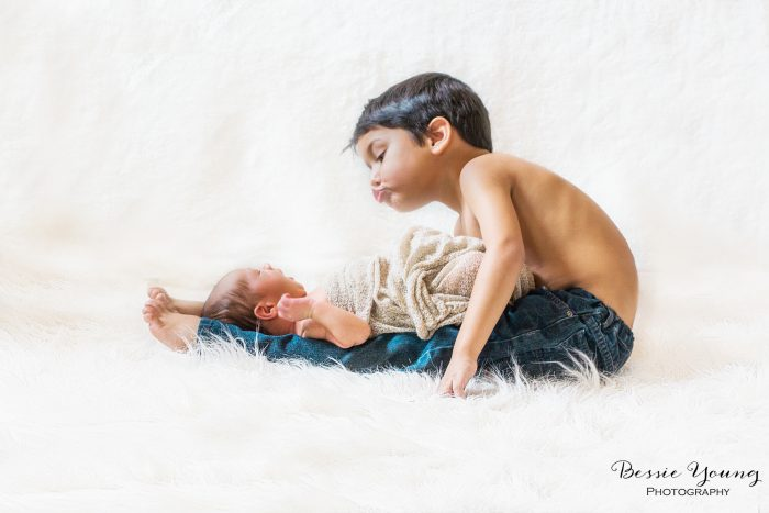 10 Babies first month photo ideas - by Bessie Young Photography