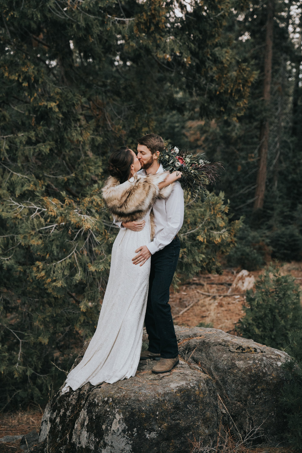 Mountain Elopement in Shaver Lake California by Bessie Young Photography Wild Elopement - Adventure Elopement-180.jpg