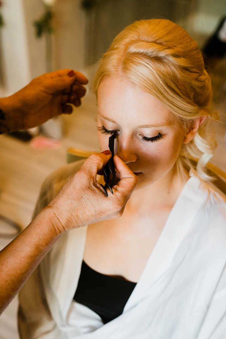 How to choose your wedding makeup | Advice from a professional | California Stunner with Lindsy Maru by Bessie Young Photography