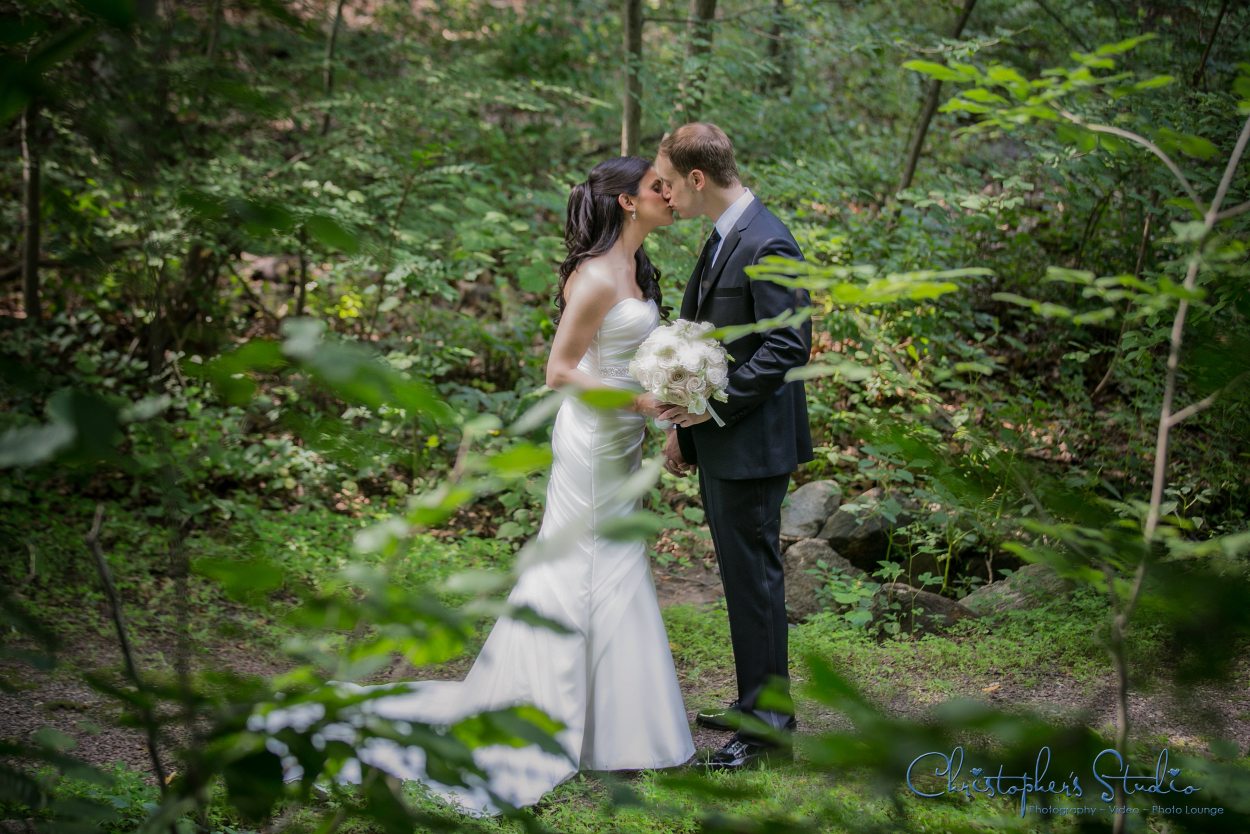 outdoor wedding photographer in Hudson Valley NY