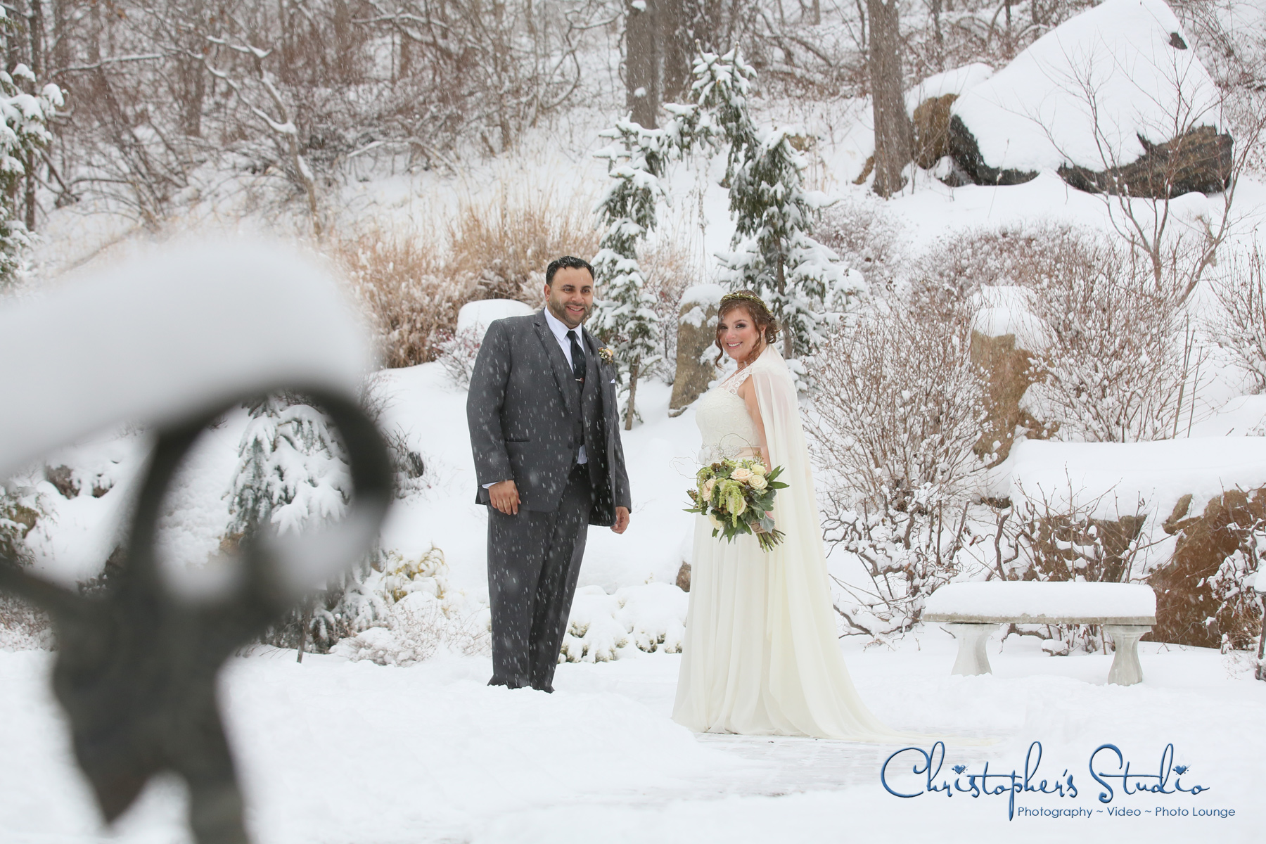 Wedding-Photographer-at-The-Chalet-on-the-Hudson