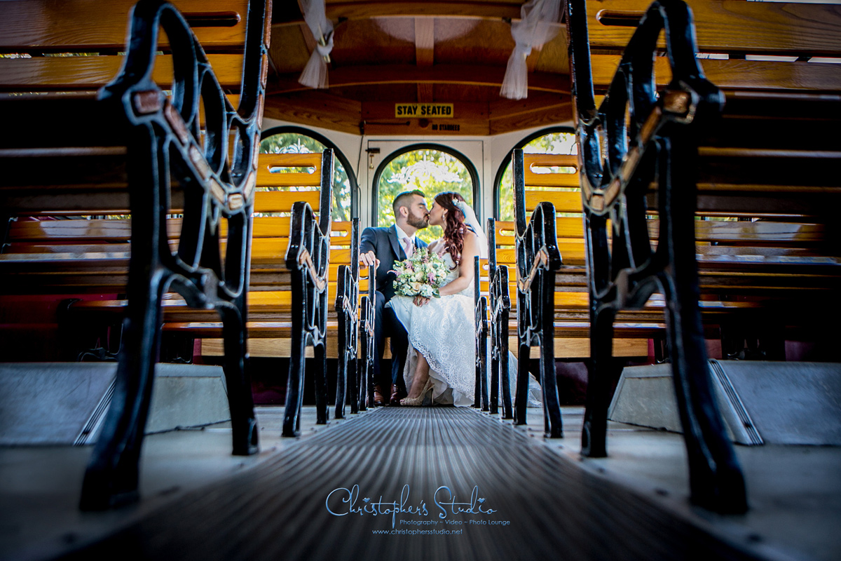 wedding-trolly-photographer