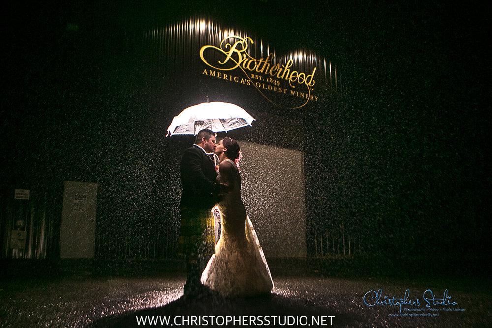 rustic-wedding-photos-