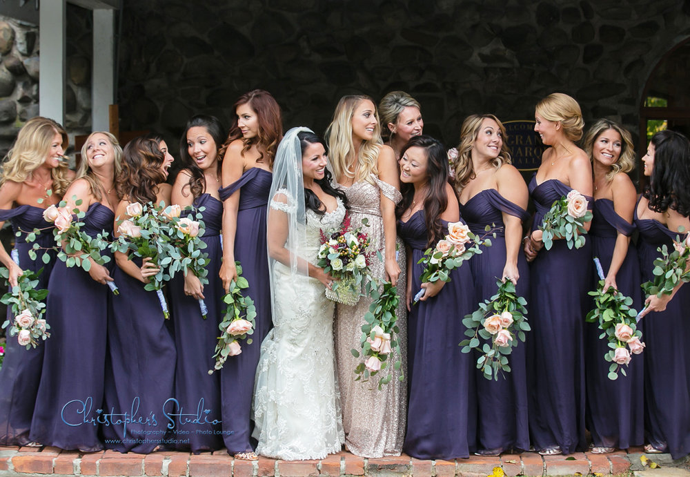 Bridesmaids-having-fun-in-photos.jpg