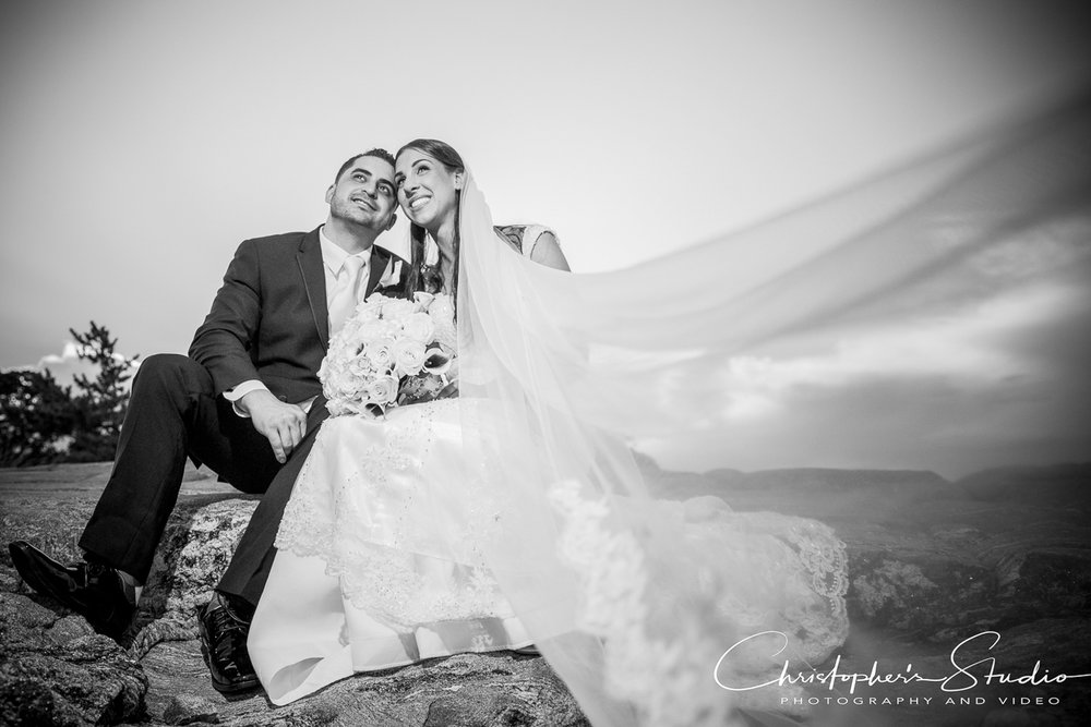black-and-white-wedding- photos-glen-island-park.jpg