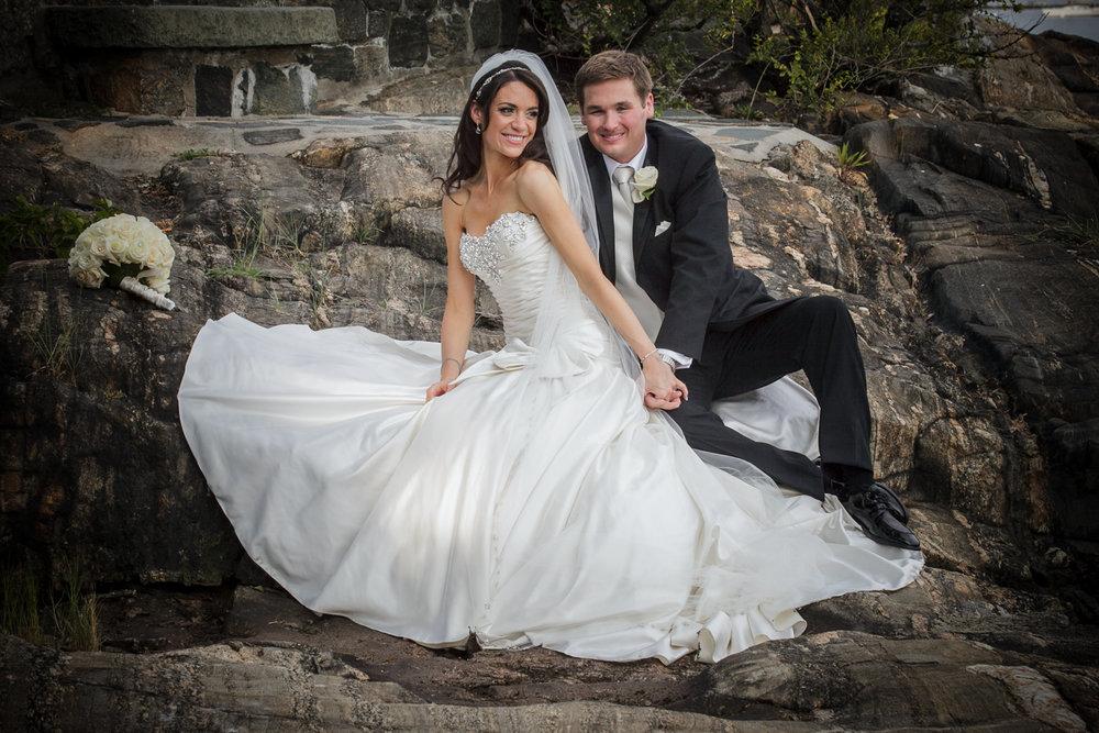 glen-island-harbor-wedding-photograph-bride-groom