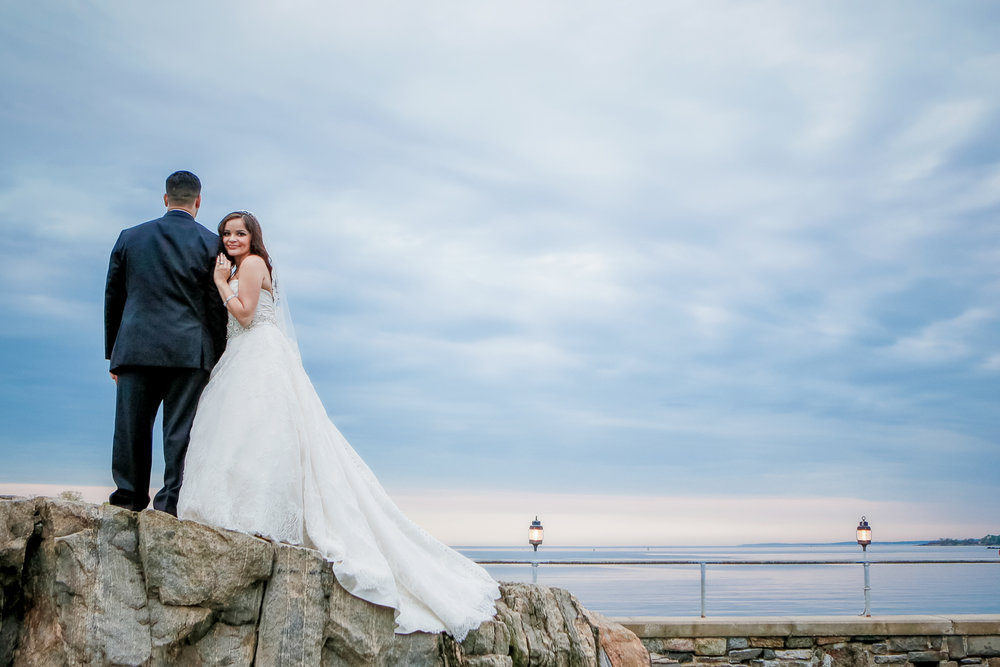 glen-island-harbor-wedding-photographer-bride-groom