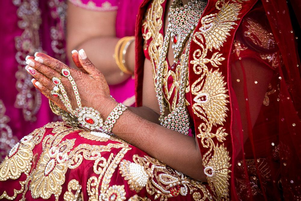 indian-wedding-photos-hands