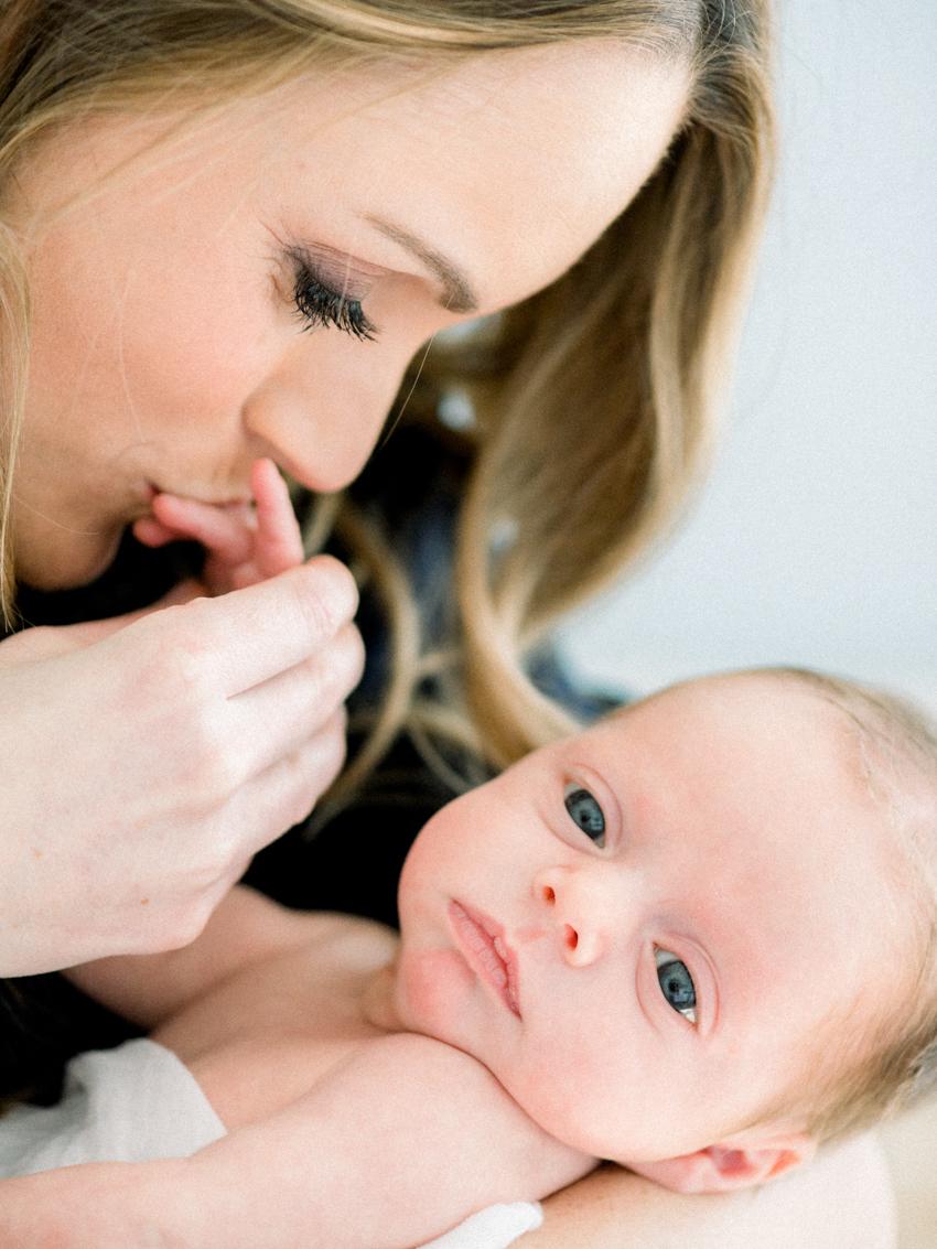 MeganSchmitz-Arlington-newborn-photographer_014.jpg