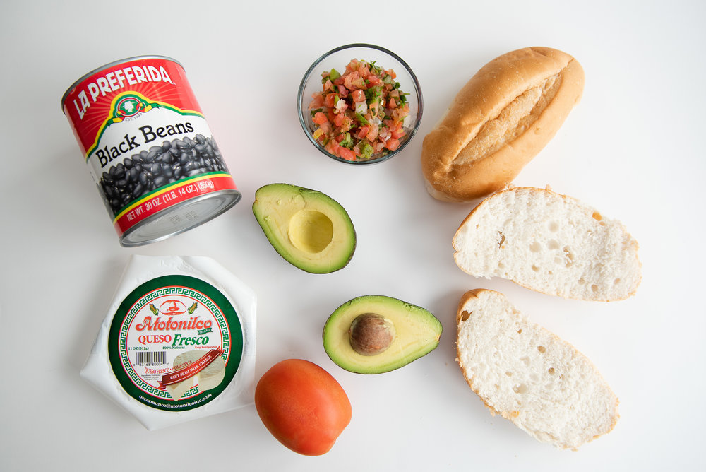 molletes-mexican-food-snack-lunch-school-quick-meal.jpg