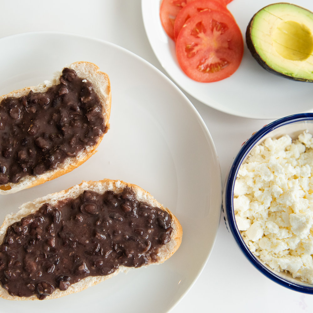 molletes-mexican-food-snack-lunch-school-quick-meal-4.jpg