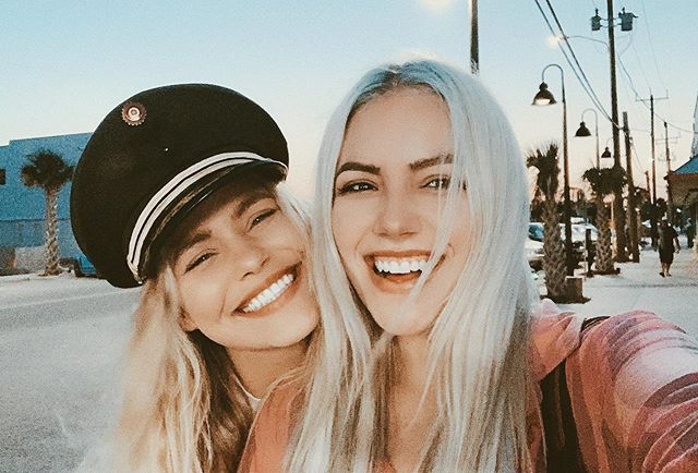 This girl will always be so special to me for so many reasons. We have such a unique connection both in our friendship and creatively, being around each other again was medicine for my soul🌈 @nicolekayclark I'm crazy proud of you and so grateful for you, love you baby girl! I'll be seeing you SOON🌹🌹🌹