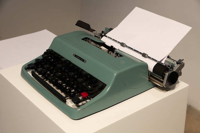 Fiona Banner, Dummy, 2013, reconstructed typewriter, 5.71 x 13.78 x 12.6 inches, 14.5 x 35 x 32 cm. Installation view 1301PE.