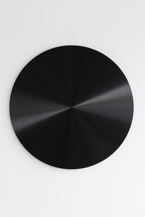 Ann Veronica Janssens, Black Disc, 2010-2013, anodized aluminium, 85cm x 3 cm, edition 3 of 3, 2