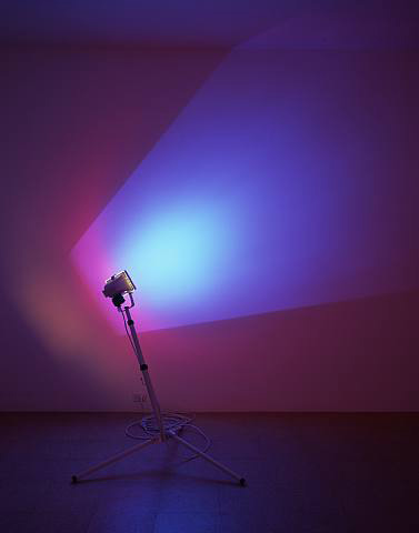 Ann Veronica Janssens, Sky Blue, 2005, 300 watt halogen lamp, dichroic color filter