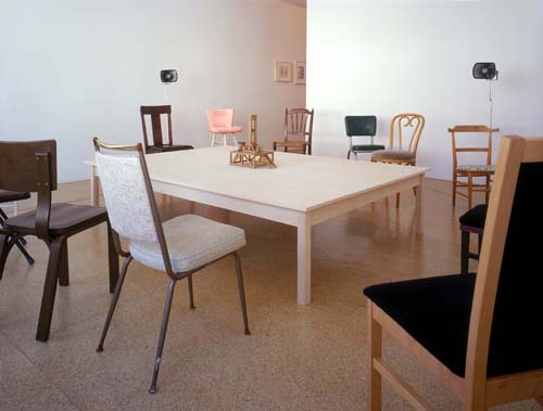 Un Mondo Senza Testa/A World With No Head, Installation view, 2003