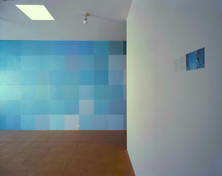 Angela Bulloch, installation detail, 2001