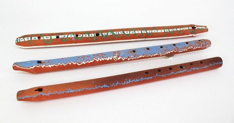 Front: 3 Ceramic Flutes
