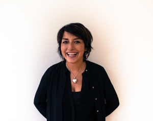 YASMIN MEYRICK Senior Director Cut and Colour Working in Bath as a Stylist for over 25 years. Yasmin has the same passion for hairdressing now as when she first started. Particularly enjoys working with short hair.