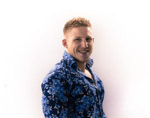 THEO SACKETT Senior Stylist - Cut Only Qualified since 2011, Theo has a real passion for short hair as well as barbering and gents cutting. A friendly and confident stylist, who will look after all of your hair needs.