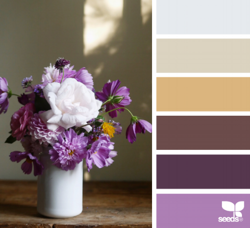 ochre-and-beige-blogging-for-interior-designers.png