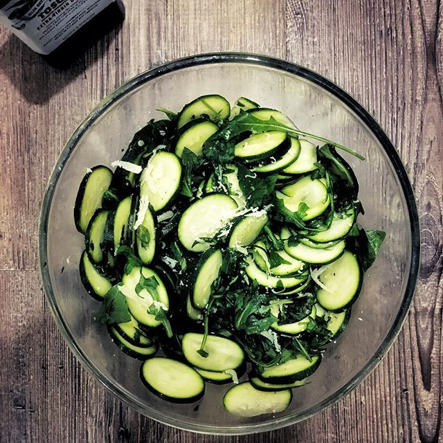 Spring lunch bliss with homemade courgette & parmesan salad and drizzles of Toscano olive oil 🥒👌Looking forward to a sunny bank holiday weekend☀️I'm teaching a Yin yoga class at @moveyourframe Fitzrovia tomorrow at 1.30pm if you fancy a chill and stretch sesh!
