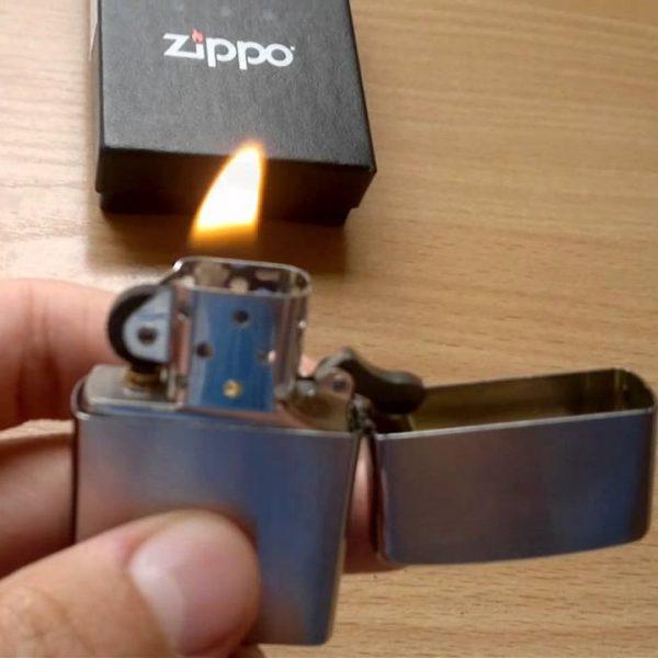 zippo-lighter-with-a-lifetime-guarantee-600x600.jpg