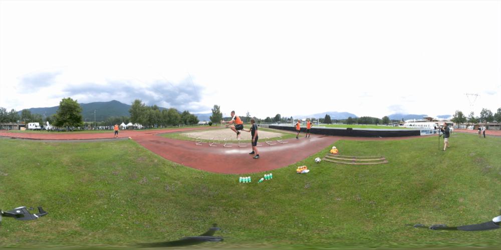 Inter VR Edit_English_360_TB (0-01-55-06).png