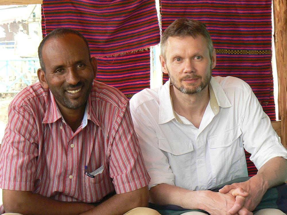 Kummitoimintaa suomalainen kummi ja kehitysmaakumppani kokoustaa Etiopiassa.JPG