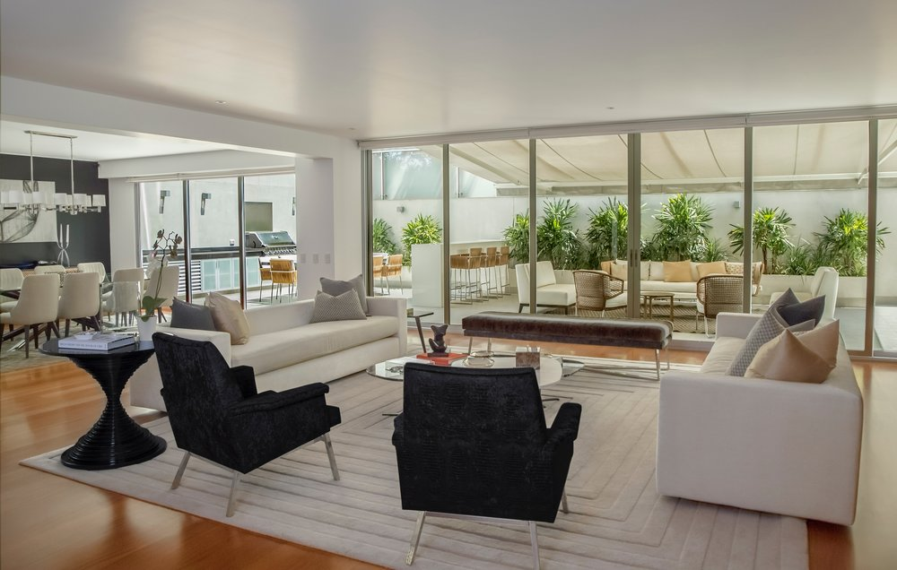 Reflecting Spanish and Mediterranean influences,the home is introduced from a grand entry foyer to open and flowing living areas where walls of glass take advantage of nature s splendorous views. - 5 BED 3 FULL BATHS3,311 SQ/FT