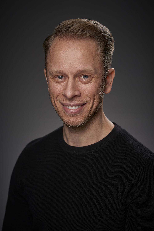 Lars Jacobsen Regi, casting og kunstnerisk administrasjon lars(@)scenekvelder.no +47 950 72 365
