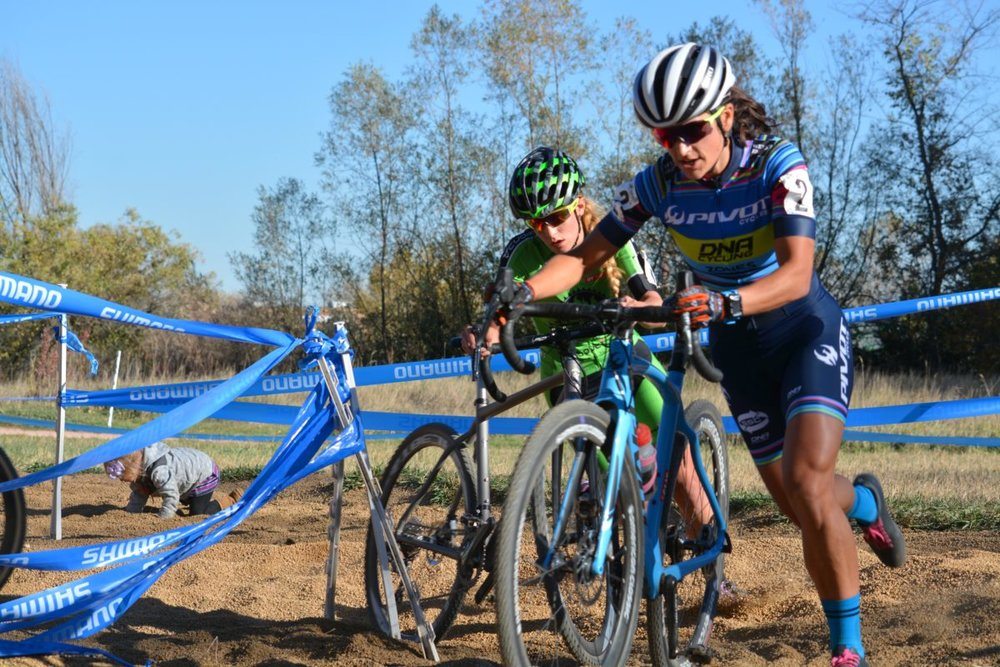 Courtenay McFadden leads Katie Clouse on day 2