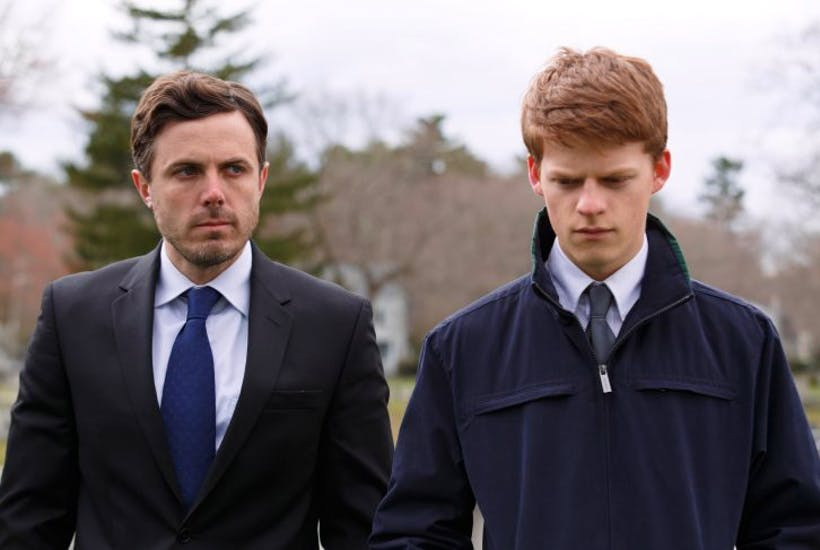 Casey-Affleck-and-Lucas-Hedges-in-MANCHESTER-BY-THE-SEA.-Photo-credit_-Claire-Folger-e1484135291944.jpg