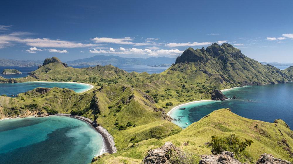 The world famous viewpoint on Pulau Padar island in between Komodo and Rinca Islands near Labuan Bajo in Indonesia.