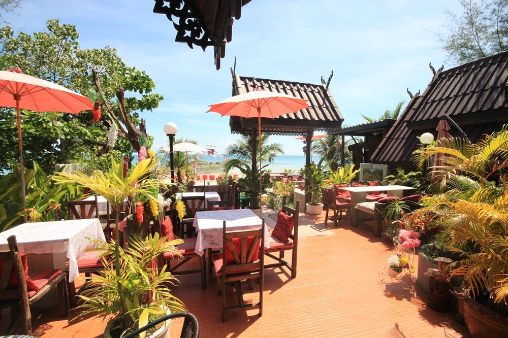 The restaurant at Phangan Cove is one of the best on the island. We will eat all our meals together and do workshops here to explore deeper into fascinating topics like biomimicry, storytelling and Vedic cosmology.