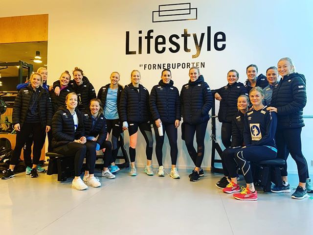 The best will always go for the best @lifestylebyfornebuporten as a base before #møbelringencup 💪  #telenorarena #fornebuporten  Lots of luck girls🤞😊🏆🤾‍♀️@handballandslagene  #linkinbio🔥🔥🔥🔥
