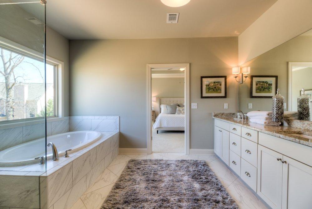 LG6 Master Bath.jpg