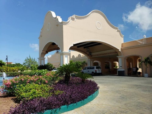resort2.jpg