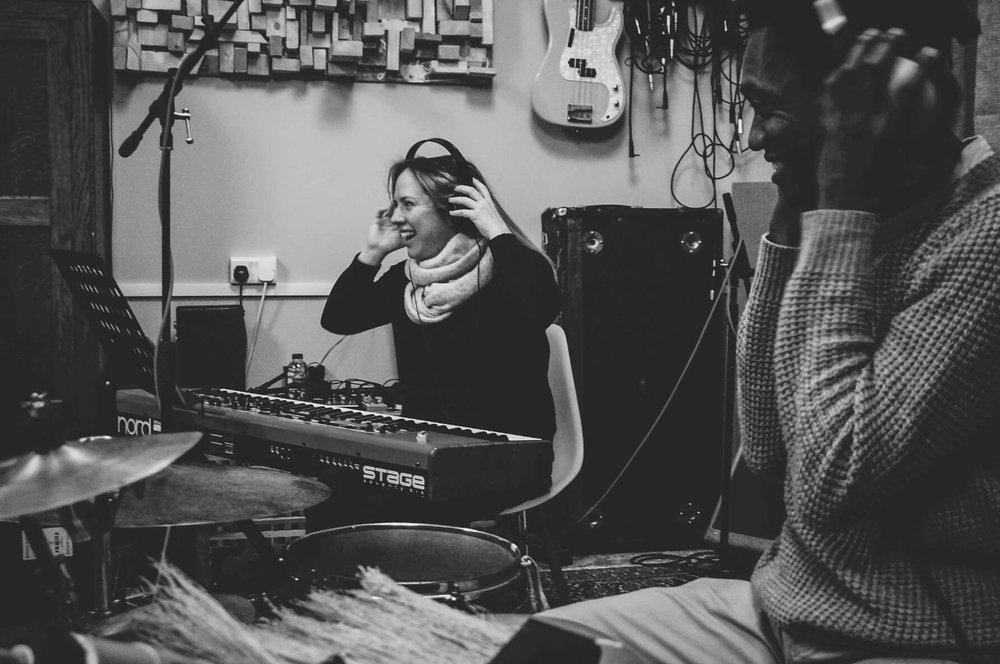 percussion-and-piano-smiling-adriano-brazilian-rebecca-nash-sara-colman-recording-session-jazz-british-canyon.jpg