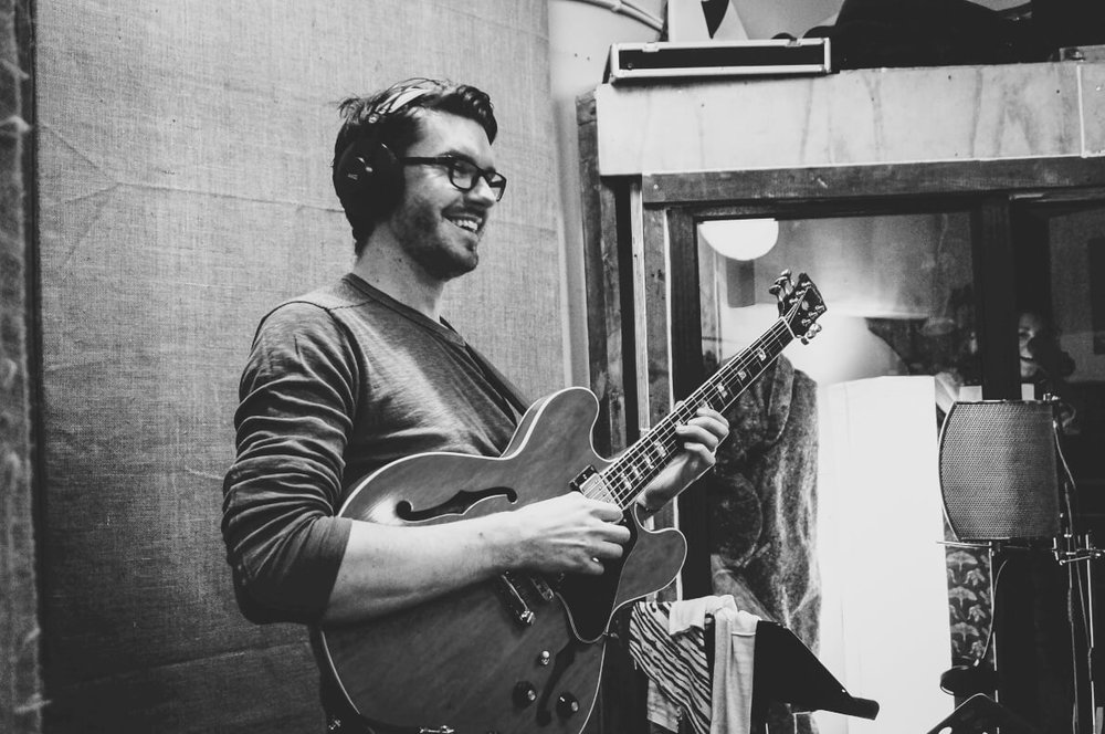 steve-banks-guitar-directing-sara-colman-recording-session-jazz-british-canyon.jpg