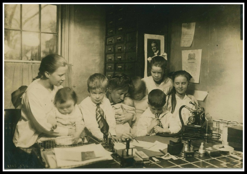 """Lillian Gilbreth in her home office: """"I work in the midst of confusion"""""""