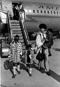 Rudolph with her three older children in LA, circa 1968.