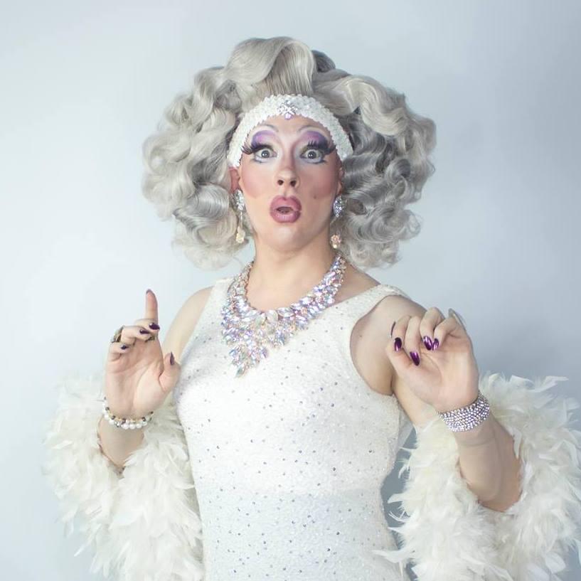 Discussion sera animée par la drag queen  Uma Gahd