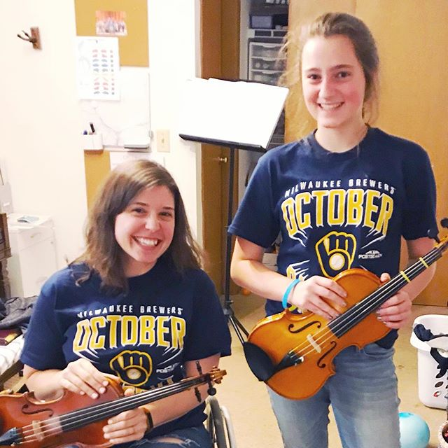 Cheering on the Brewers during violin lessons tonight! Students get bonus points for matching the teacher.  #violinists #suzukiviolin #mkeviolinteacher #suzukiworks #beautifulhearts #musiceducation #thisismycrew #brewers #octoberbaseball