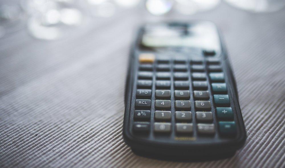 calculator-2620121_1920.jpg