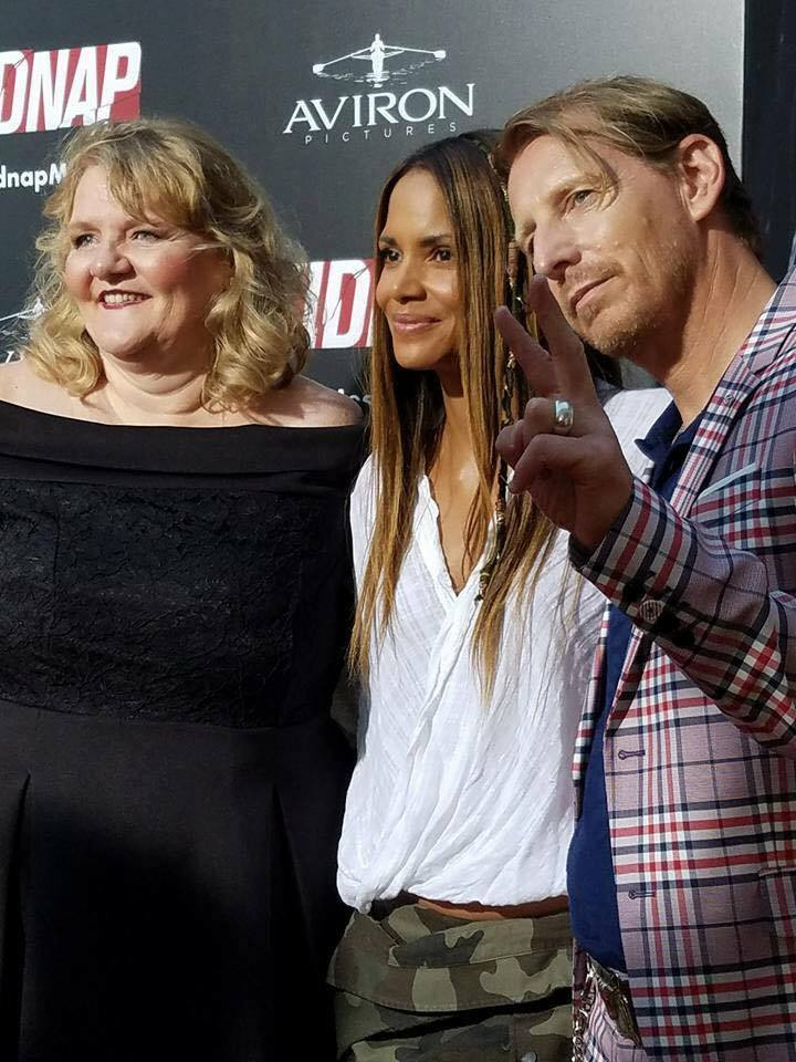 Chris McGinn , Halle Berry and Lew Temple at the premiere of  Kidnap .