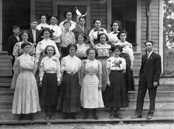 Group of students and principal pose for a photo at the schoolhouse c. 190? - Photo courtesy of the  Florida Memory Project