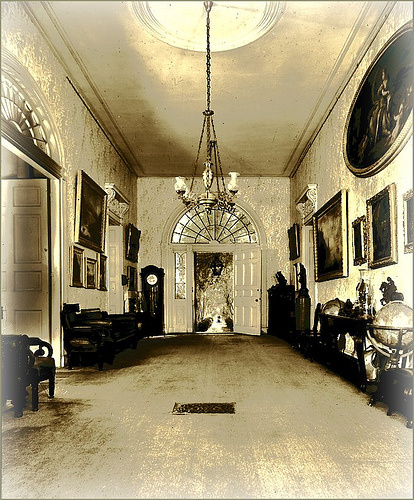 Entry foyer as it looked in the 1930s